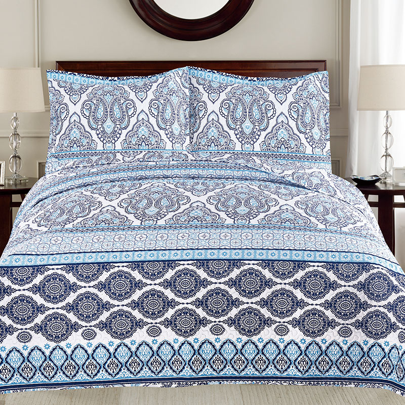 embossed paisley print quilt